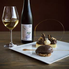 "Trilogy of dessert from ""Le Jardin de l'Abbaye"" restaurant paired with our Vin de France Vendanges Tardives ""Songe d'une nuit d'été"""